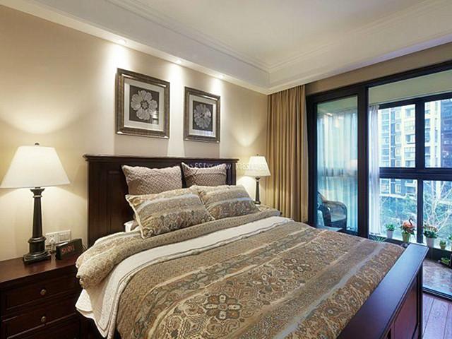 【世界豪华别墅】卧室落地窗的装修风格图片
