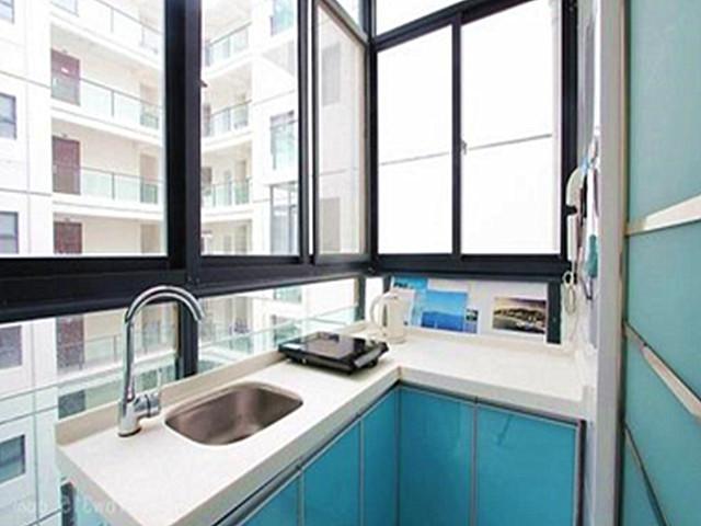 厨房间装修效果图 把阳台改成厨房可行吗
