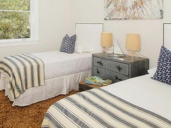 【厨房装修报价】一间卧室放两张床效果图