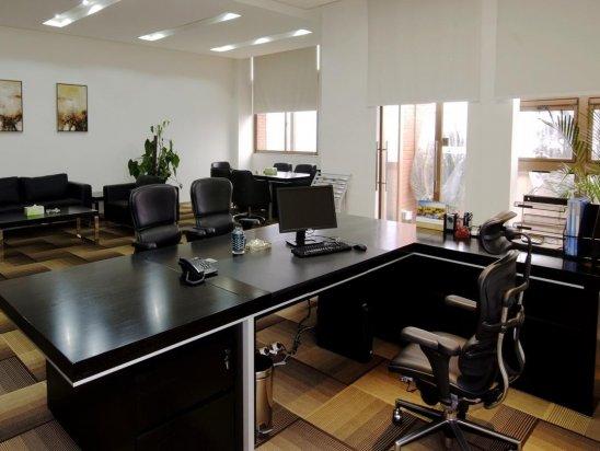 【办公空间效果图】普通办公室装修多少钱